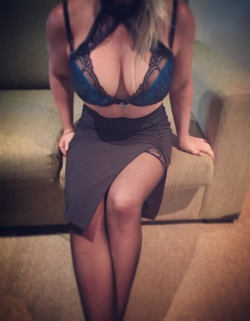 Maitland, Muswellbrook, Newcastle, Singleton, Sydney independent private escort - Sativa Bell
