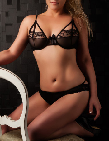 independent private escort - Christy Mayfair