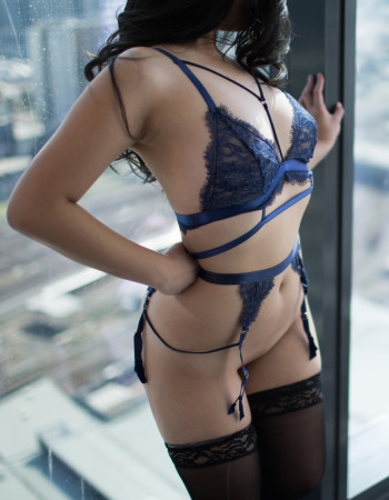 independent private escort - Akira Love