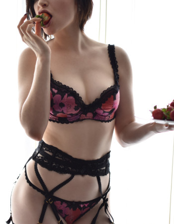 Private escort - Keira Quinn touring soon to Hobart