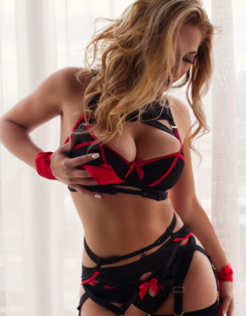 Private escort - Miss Bianca Fox touring soon to