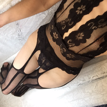 Selfie Pics from Holly Moore - Private Escort Adelaide