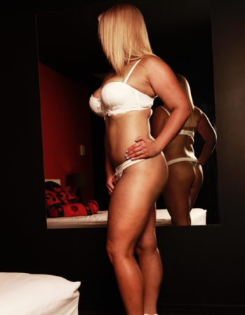 independent private escort - Miss Mandy Valentine
