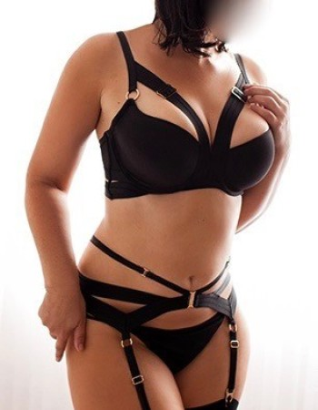 Private escort - Natalie Gale touring soon to