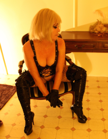 independent private escort - Mistress Emerald
