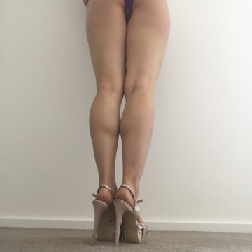 Selfie Pics from Hayley Lee - Private Escort Adelaide