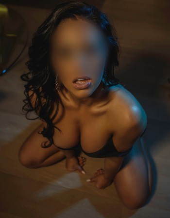 Melbourne independent private escort - Isabelle Fox