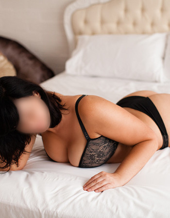 Private escort - Natalie Gale touring to Perth