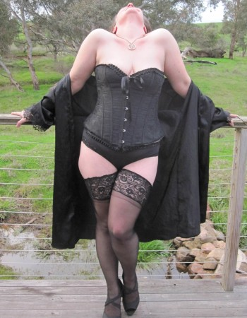 Private escort - Lady Lillian is touring to Wodonga by invitation