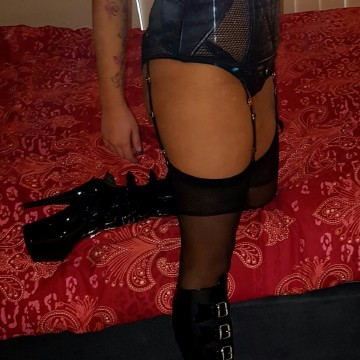 Selfie Pics from Rachael Lane - Private Escort Perth