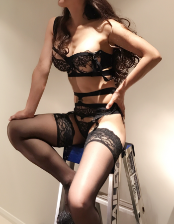 Perth independent private escort - Miss Allsla