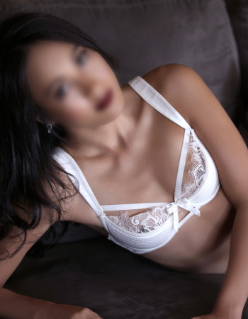 Private escort - Monica La Bella is touring to Cairns by invitation