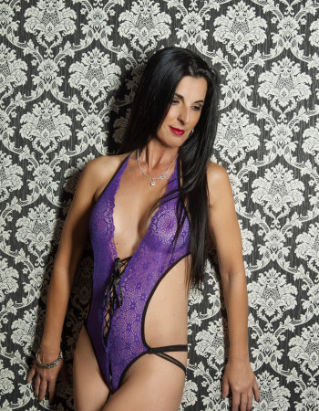 Private escort - Gemma Lee touring soon to