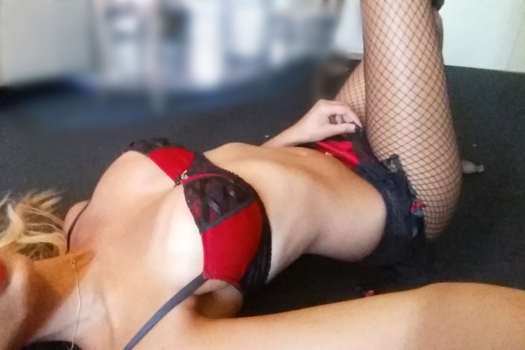 Nicole Hydes - Private Escort Perth