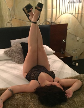 Brisbane independent private escort - Elsie Victoria