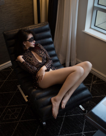 Private escort - Molly Dolera is touring to Cairns by invitation