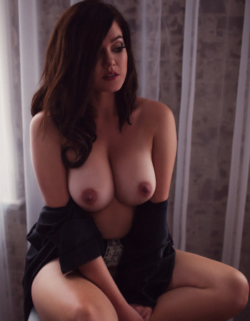 Private escort - Lana Jade touring soon to Regional New South Wales