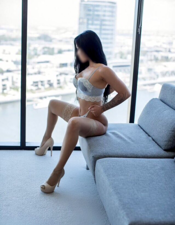 Private escort - Bonnie Cooper touring soon to Auckland