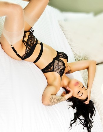 adorable port douglas escorts