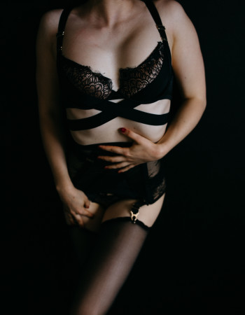Private escort - Willow James is touring to Newcastle by invitation