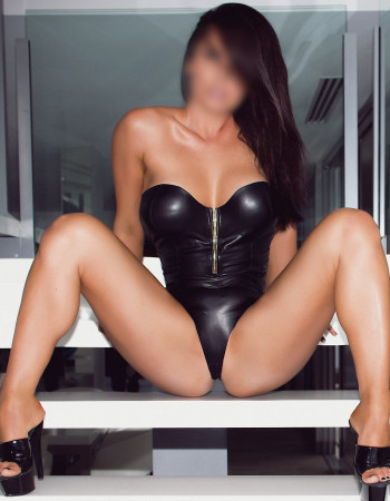 Private escort - Kimber Slone touring soon to Melbourne