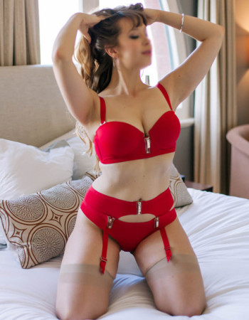 Melbourne independent private escort - Isabelle Lynd