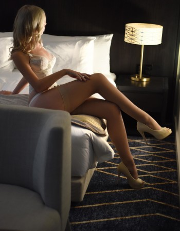 Sydney independent private escort - Lita Hart