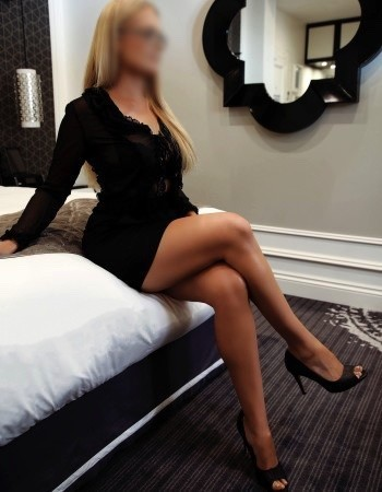 Sunshine Coast independent private escort - Hayley Sommers