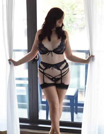 Melbourne independent private escort - Kira Kennedy
