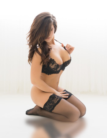 Private escort - Taylor Belle touring soon to Sydney
