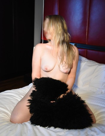 Private escort - Karoline is touring to Newcastle by invitation