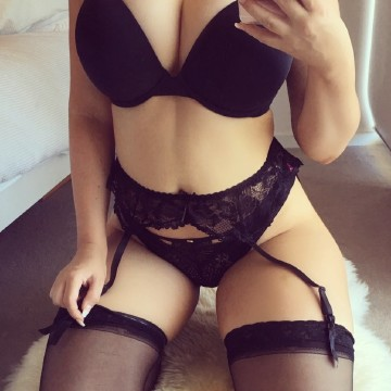 Selfie Pics from Lilly Chase - Private Escort Perth